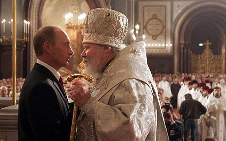 Putin says leaders should unite to end anti-Christian persecution