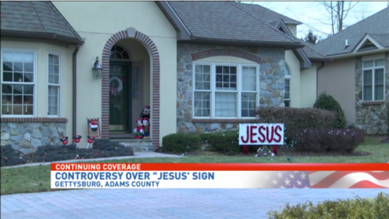 Couple must remove 'offensive' Jesus Christmas sign